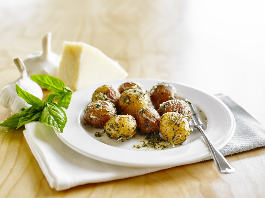delicious-roasted-pesto-parmesan-potatoes