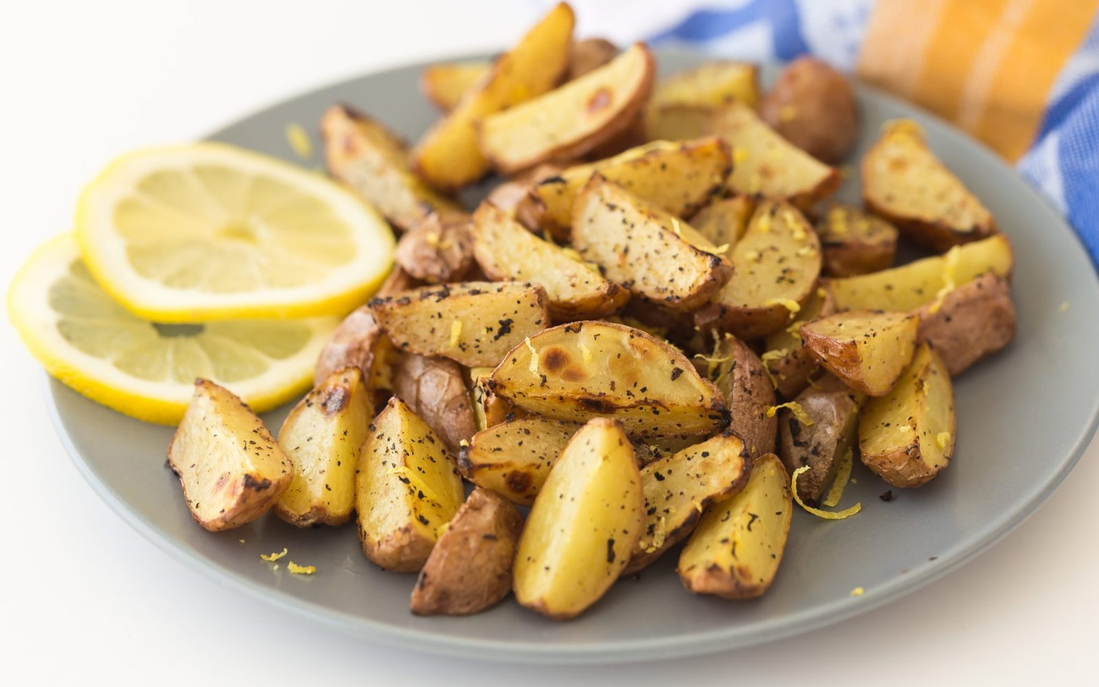 Potato Wedges With Lemon and Pepper