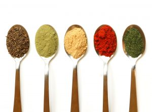 spoons-in-row-with-spices